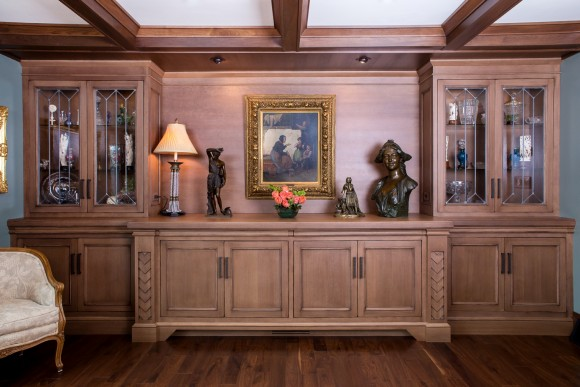Traditional Dining Room Built-In-Feature