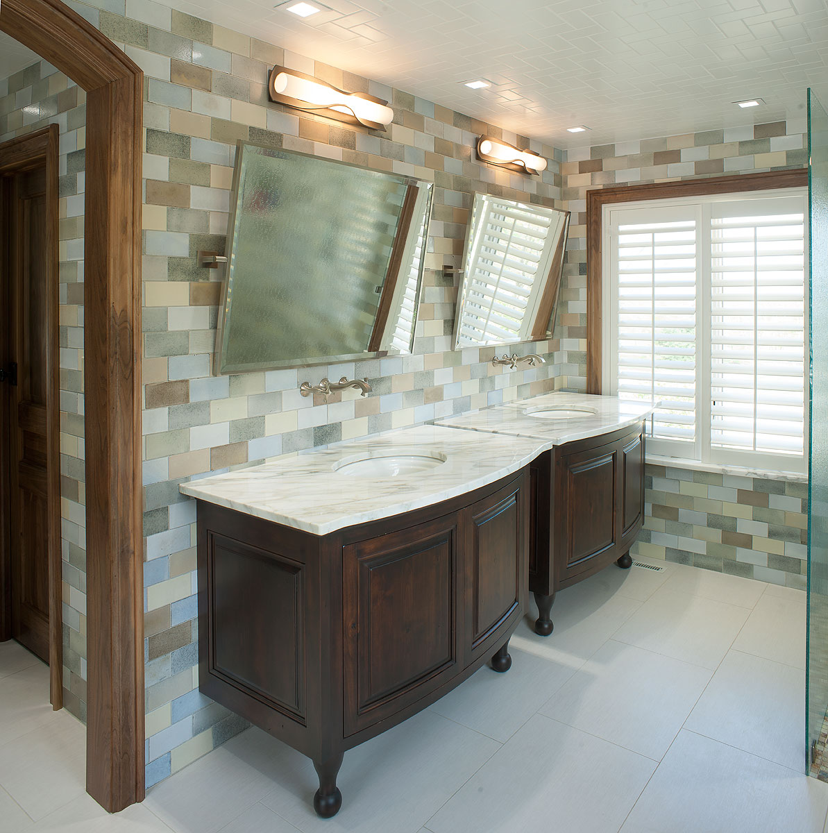 Levant his hers master bath for Master bathroom his and hers