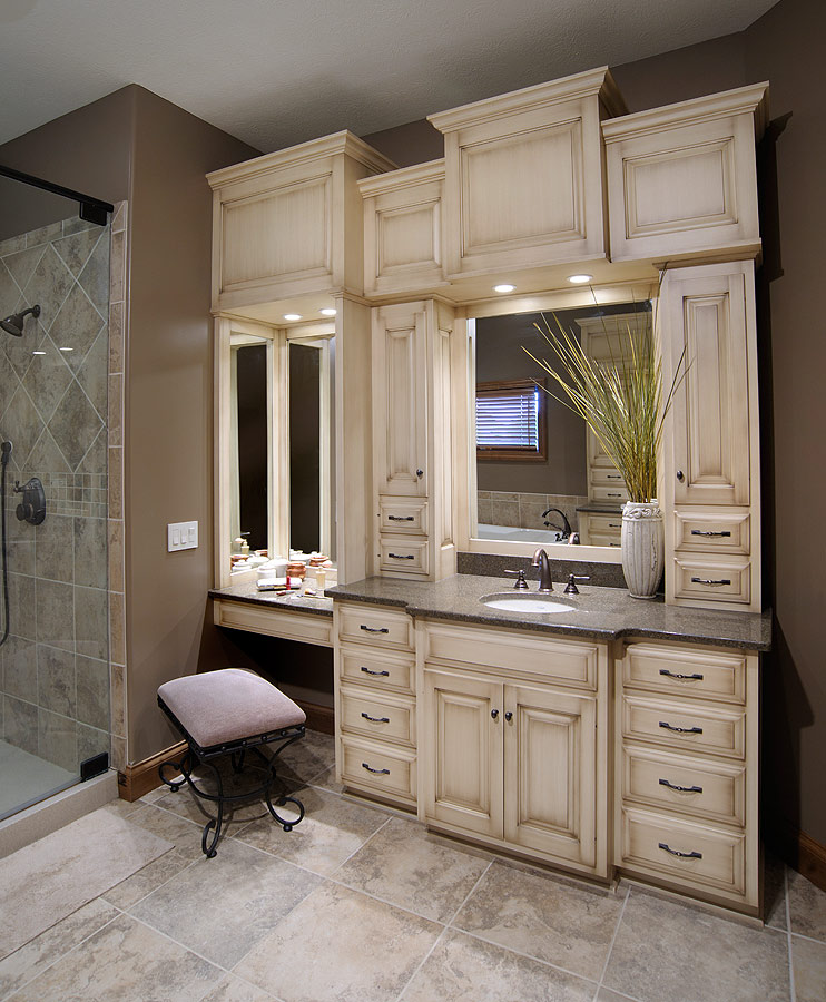 Bathroom makeup organizers - Mullet Cabinet Custom Master Bathroom Suite