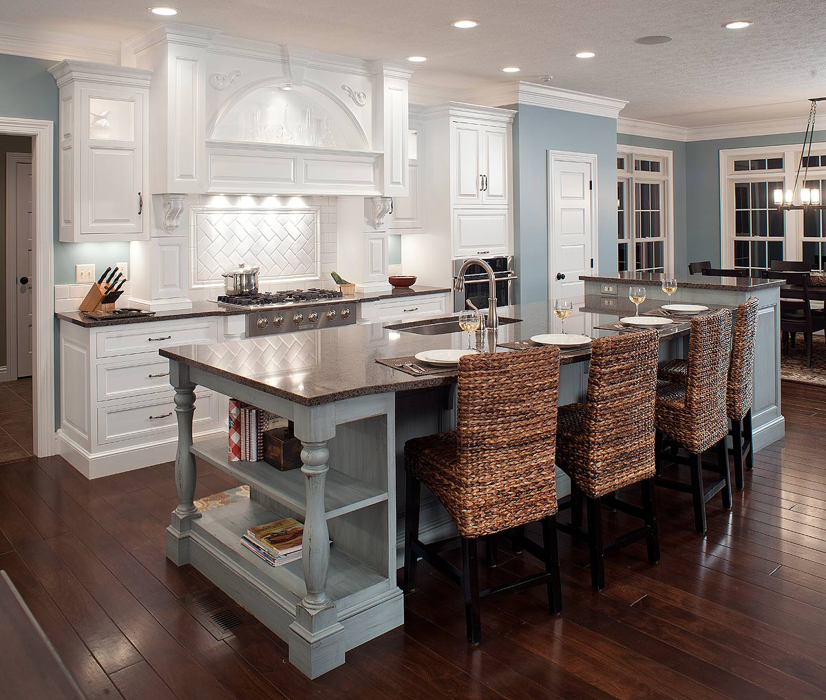 mullet cabinet family of 7 kitchen - Cool Kitchen Ideas