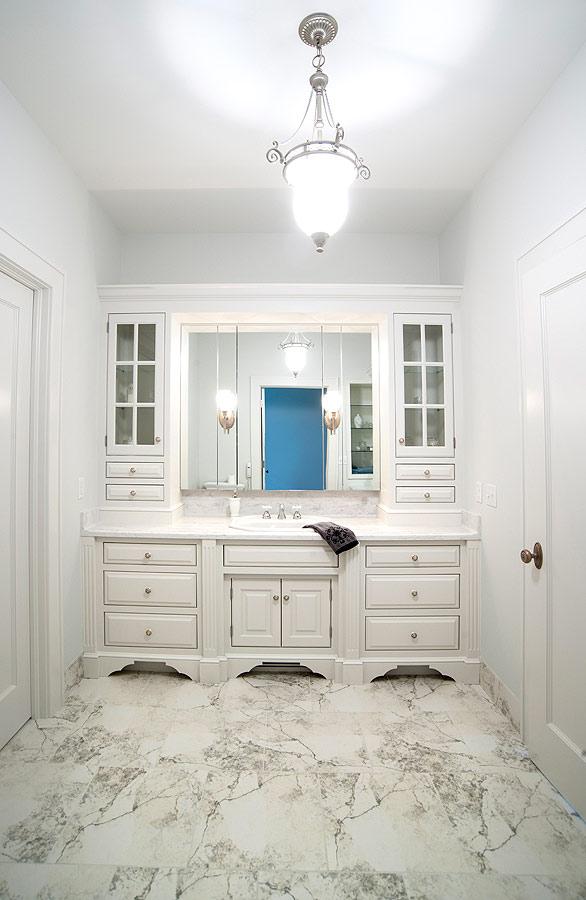 Mullet Cabinet Elegant White Bathroom
