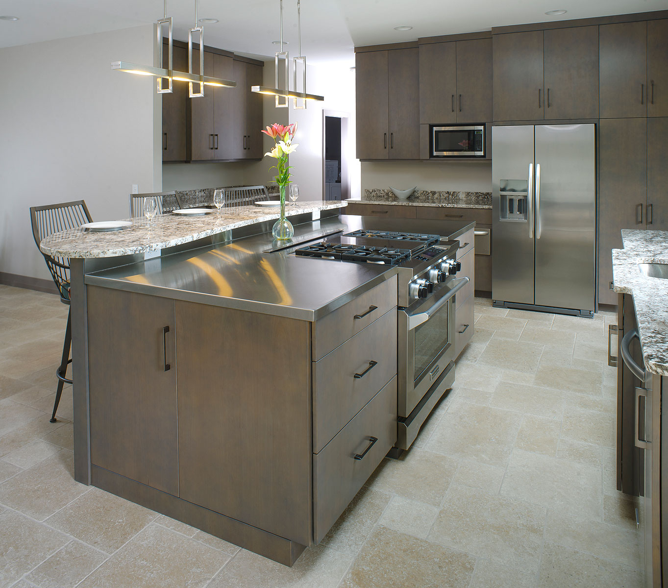 Contemporary Kitchen With Stainless And