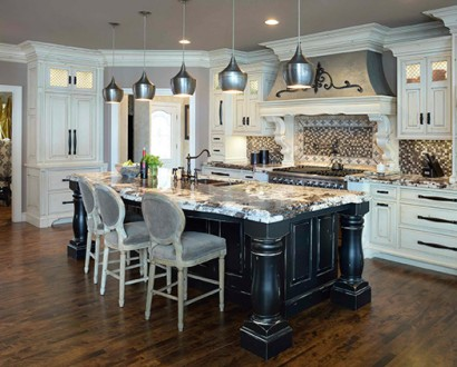 Captivating Provincial Country Manor Kitchen