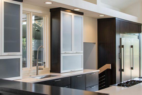Sleek & Simple Modern Kitchen-4
